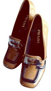 Prada black and brown Pumps