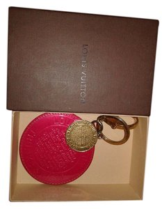 Louis Vuitton Louis Vuitton Trunks and bags Bag Charm Key Charm Limited Edition