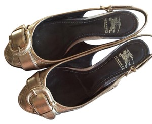 Burberry gold Flats