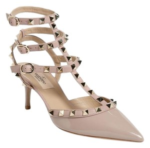 Valentino Studded poudre patent/ nude Pumps