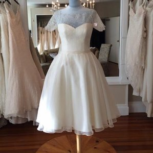 Augusta Jones Ivory Lace Organza Sian Retro Wedding Dress Size 6 (S)
