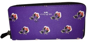 Coach Slim Accordion Zip In Bramble Rose Print (Coach f56732)