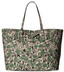 Marc Jacobs Camo Saffiano Leather Metropolitote Tote in Multi-Color