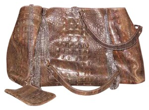 Perlina Satchel in Brown with subtle metallic sheen