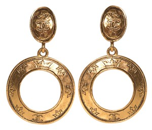 Chanel Chanel Gold-Tone Engraved Circle Drop Earrings