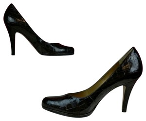 Tahari Career Brown Pumps
