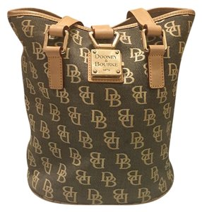 Dooney & Bourke Tote in tan and grey