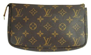Louis Vuitton Pochette Monogram Clutch
