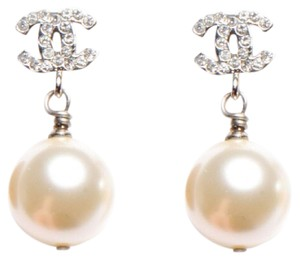 Chanel Authentic 2014 Chanel CC Pearl Earrings