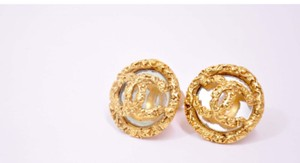 Chanel Chanel Vintage CC Logo Clip On Earrings