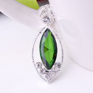 Emerald Green Quartz Crystal Pendant Free Chain & Shipping