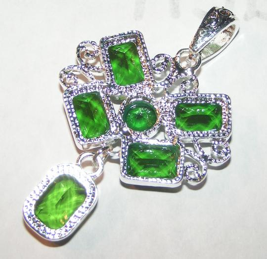 Silver/Green Bogo Free Plus Free Shipping On Necklace