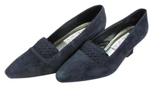 Mootsies Tootsies Size 7.00 M Suede Leather Very Good Condition Navy Pumps