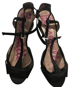 Betseyville by Betsey Johnson Formal