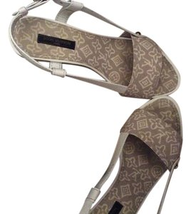Louis Vuitton Beige Canvas wedge Sandals