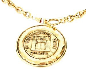 Chanel Vintage Chanel Big Medallion Pendant Necklace Rare, Gold