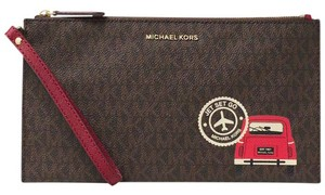 Michael Kors Wristlet in Brown/Cherry