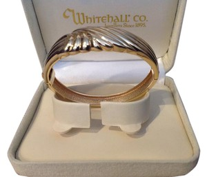14K HINGED BANGLE