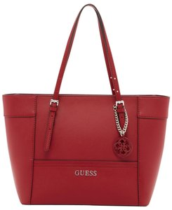 Guess Tote in Claret