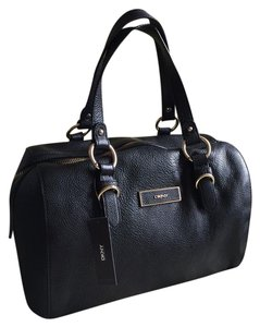 DKNY Satchel in Classic Black LEATHER
