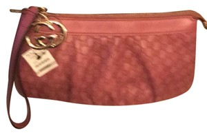Gucci Wristlet in Rose pink