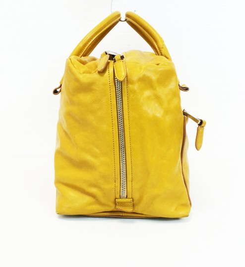Marc Jacobs Dust Two Way Zip Leather Satchel in Yellow Image 2