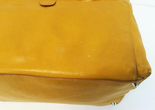 Marc Jacobs Dust Two Way Zip Leather Satchel in Yellow Image 9