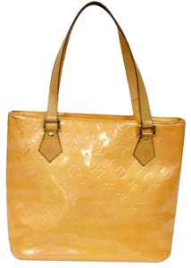 Louis Vuitton Leather Neverfull Damier Patent Pochette Tote in Peach