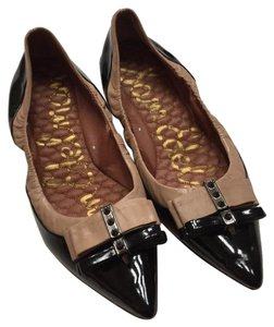 Sam Edelman Black and Tan Flats