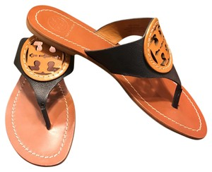 Tory Burch tan/navy Sandals