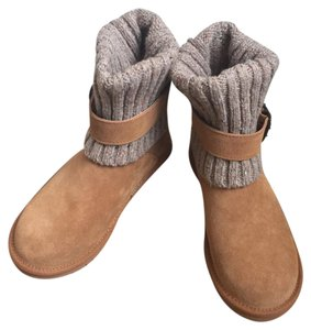 UGG Australia tan oatmeal suede Boots