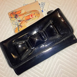 Betsey Johnson Betsy Johnson Black Patent Leather wallet