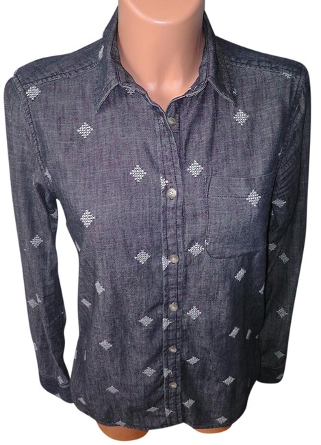 Preload https://img-static.tradesy.com/item/20504655/american-eagle-outfitters-med-denim-sleeve-cross-stitch-shirt-xs-button-down-top-size-2-xs-0-1-650-650.jpg