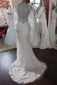 New Never Worn Fit-to-flare Lace Wedding Dress