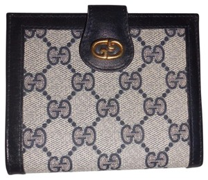 Gucci Vintage Gucci Navy Classic Wallet with Kiss Lock