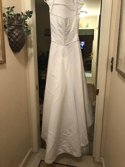 Forever Yours White Satin and Polyester Formal Wedding Dress Size 6 (S) Image 9