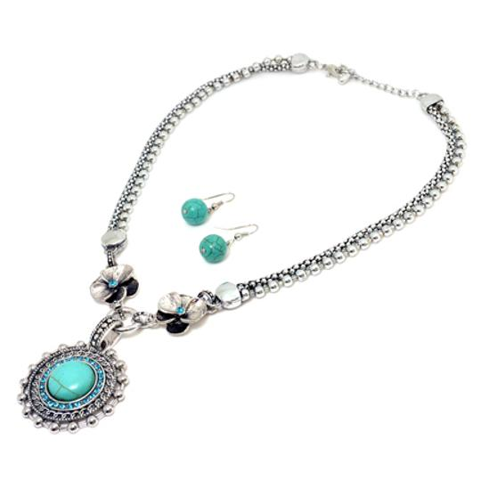 Preload https://img-static.tradesy.com/item/20507813/turquoise-circle-pendant-with-round-earrings-necklace-0-0-540-540.jpg