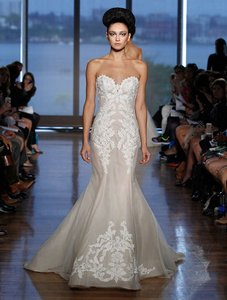 Ines Di Santo Light Ivory Guipure Lace French Netting and Silk Organza Elisavet Formal Wedding Dress Size 2 (XS)