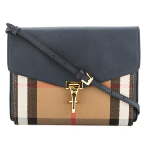 Burberry 3404001 Cross Body Bag
