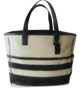 Coach Wool Type Glove Leather Tote in Cream/Black