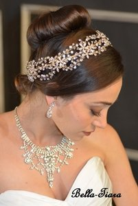 Breathtaking Swarovski Crystal Gold Halo Wedding Headband