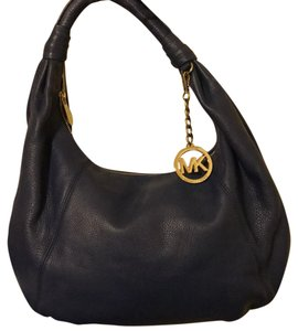 Michael Kors Hobo Bags - Up to 70% off at Tradesy 8ff2c752aef28