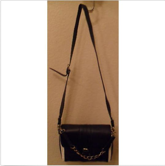 BCBGMAXAZRIA Leather Cream Shoulder Bag Image 1