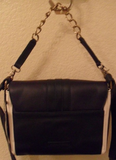 BCBGMAXAZRIA Leather Cream Shoulder Bag Image 3