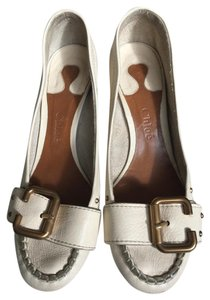 Chloé Block Heel Chloe Brass Buckle Paddington Cream Pumps