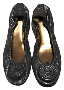 Ellen Tracy pewter Flats