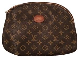 Louis Vuitton classic monogram Clutch