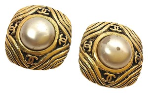 Chanel Chanel Vintage Faux Pearl Earrings