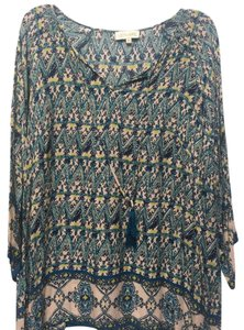 Lucy & Laurel Bohemian Boho Top Blue Print