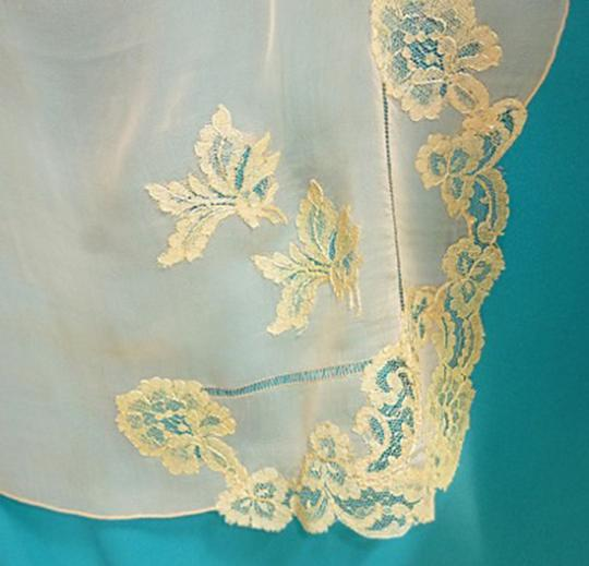 Other VTG SILKY PEACHY CORAL SHEER SILK -DRAWN NEEDLE AND LACE APPLIQUE 1940 Image 2
